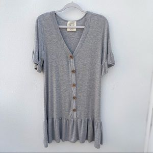 Fantastic Fawn Anthropologie tunic top grey button